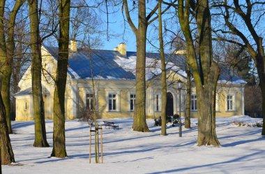 Pałacyk w Szydłowie po remoncie