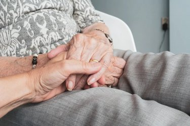 Wsparcie dla osób starszych i wymagających opieki od powiatu