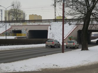 Trzeba uszczelnić wiadukt w al. Piłsudskiego