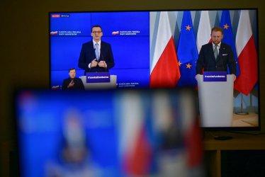 Morawiecki: musimy utrzymać dystans społeczny na ulicach