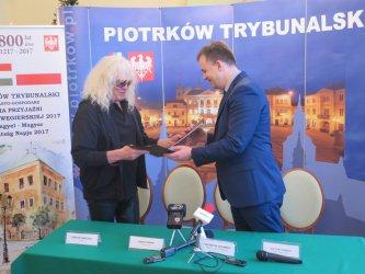 Umowa podpisana. Omega zagra w Piotrkowie