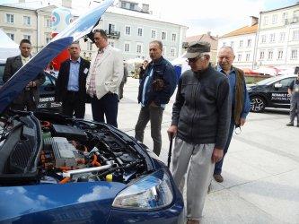 Ekologiczne pojazdy w Rynku Trybunalskim