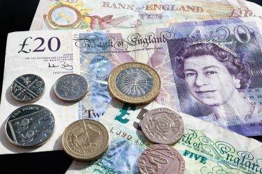 Sytuacja wokół Brexitu wywiera presję na funta