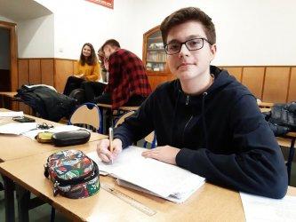 Sukces uczniów z Piotrkowa! Mateusz Wójcicki poleci do Wietnamu