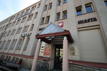 Gmina Piotrków pozwana do sądu cztery razy