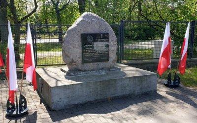 Odkrywamy znane i nieznane - Pomnik Żołnierzy Wyklętych w Piotrkowie