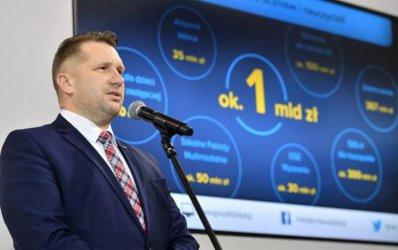 500 zł dla nauczyciela. Minister podpisał rozporządzenie