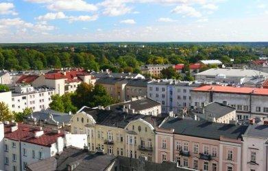 Liczba mieszkańców Piotrkowa wciąż maleje. Co jeszcze wynika z raportu o stanie Piotrkowa Trybunalskiego?