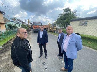 Trwa budowa chodnika w Swolszewicach Dużych