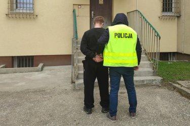 30-latek z narkotykami wpadł w ręce policjantów