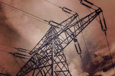 Awarie linii energetycznych w regionie. Tysiące osób bez prądu