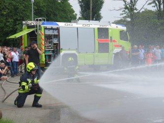 Pokaz sprzętu strażackiego w Moszczenicy