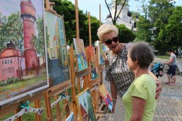 Happening artystyczny i zbiórka pieniędzy dla dzieci