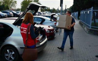 Ponad 100 tysięcy maseczek trafi do szkół w Piotrkowie