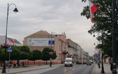 Flagi na ulicach Piotrkowa. Nowe lipcowe święto