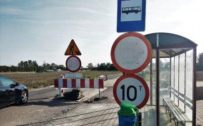 Droga zamknięta, a robotników nie widać