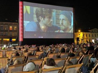 """Ogólnopolski projekt """"Kino na leżakach"""" zagości również w Piotrkowie"""