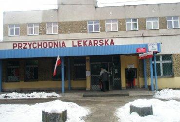Kilkuset mieszkańców Piotrkowa protestuje. Nie chcą, by zabrano im przychodnię