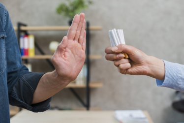 Naczelna Rada Lekarska apeluje: podnieść ceny najtańszych, tradycyjnych papierosów