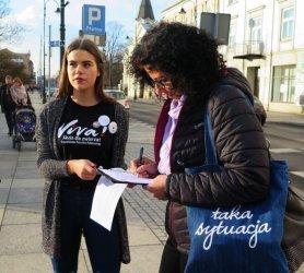 Zbiórka podpisów na ulicach Piotrkowa. Viva znów broni zwierząt