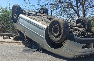 Dachowanie samochodu osobowego w Sulejowie