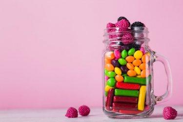 Słodycze przy diecie dla cukrzyków. Czy trzeba z nich zrezygnować w stu procentach?
