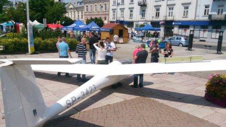 Szybowiec wylądował w centrum Piotrkowa