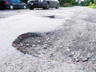 Piotrków: Na Krętej nadal dziura na dziurze