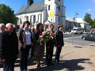 Składali kwiaty w rocznicę zakończenia wojny
