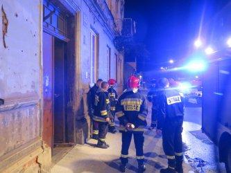 Piotrków: ewakuacja mieszkańców kamienicy przy ul. Wojska Polskiego