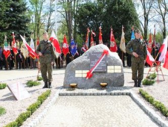 Region: Zelów w hołdzie ofiarom Katynia