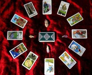 Tarot Online - czy przyszłość musi być zagadką?