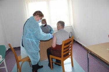 W gminie Grabica rozpoczęły się szczepienia przeciw COVID-19