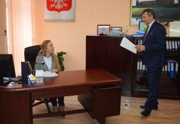 Wojciech Ostrowski oddał fotel burmistrza
