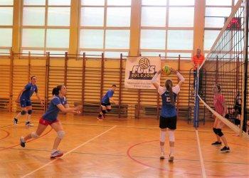 Siatkarki z Sulejowa grały z reprezentacją Polski