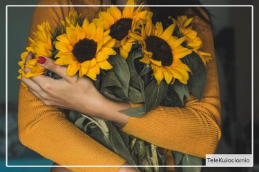 Zapomniałeś o prezencie dla rodziny? Poczta z kwiatami ma rozwiązanie!