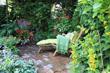 Strefa wypoczynkowa w ogrodzie – jak ją stworzyć?