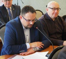 Radni PiS podważają legalność sesji korespondencyjnych