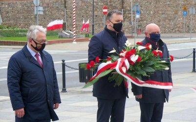 3 maja w Piotrkowie. Delegacje złożyły kwiaty