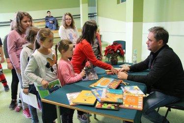 Autor bestsellerów dla dzieci przyjechał do Gomulina