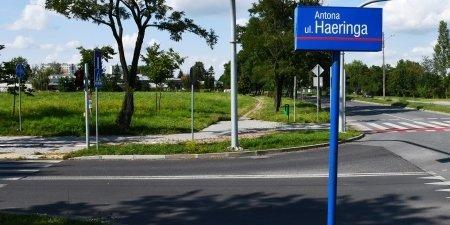 Nowy chodnik i ścieżka rowerowa przy Żelaznej