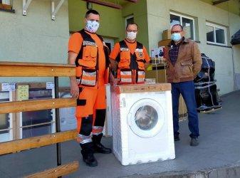 Ratownicy z Wolborza dziękują za pralkę