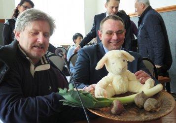 Buraki, pory i jeden baran na sesji Rady Miasta w Piotrkowie