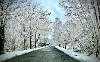 Tristan i Gizela nadciągają nad Polskę. IMGW ostrzega przed intensywnymi opadami śniegu