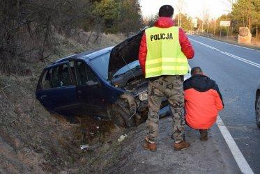 Kierowca miał 3 promile, pasażerowie po 2