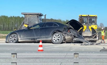 Dwa auta zderzyły się na A1 pod Piotrkowem