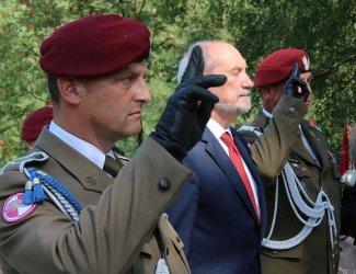 Minister Macierewicz na Górach Borowskich w gm. Wola Krzysztoporska