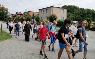 Pielgrzymi wyruszyli z Piotrkowa do Częstochowy