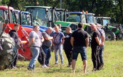Protest rolników w Piotrkowie. Ich zdaniem hodowla trzody chlewnej jest nieopłacalna