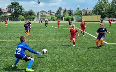 Młodzi piłkarze rywalizują w Piotrkowie